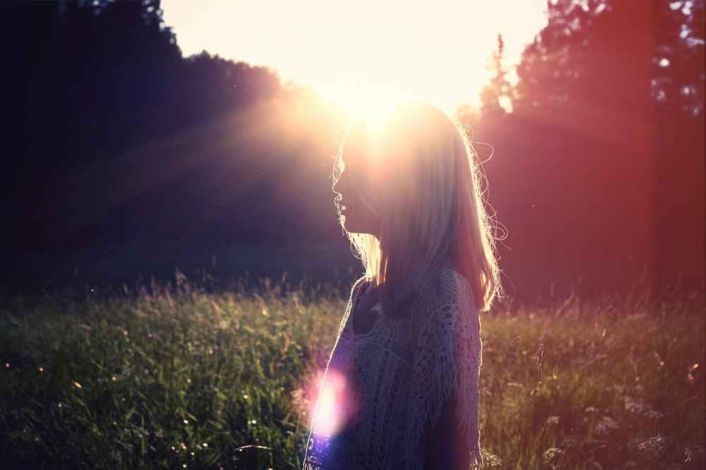 sunset sun woman ray